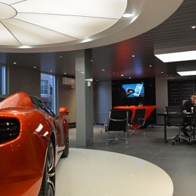McLaren_Car_showroom_02