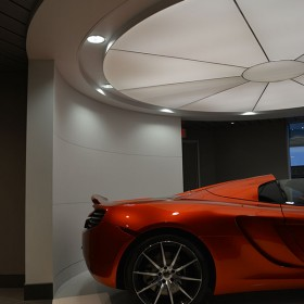 McLaren_Car_showroom_04