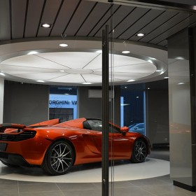 McLaren_Car_showroom_05